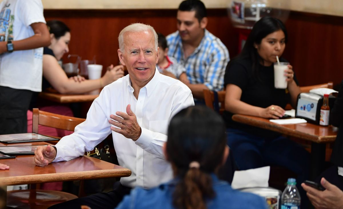 Democratic Party candidate Joe Biden gestures while meeting with patrons at a restaurant in Los Angeles on July 19th, 2019.
