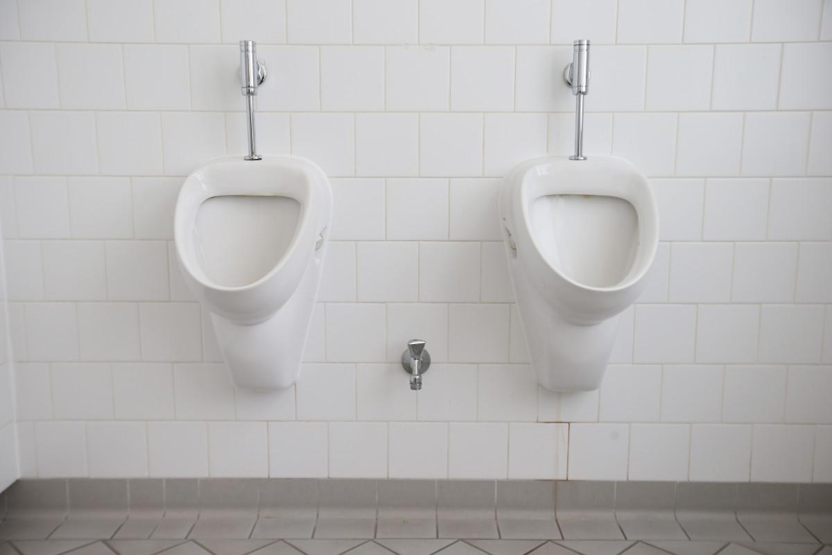 \Urinals.