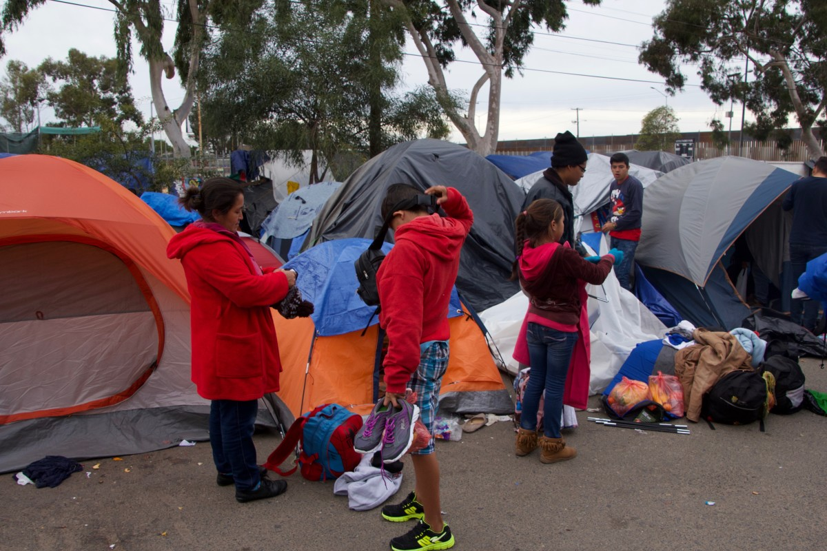 Marisol and her children prepare to leave and cross the border illegally
