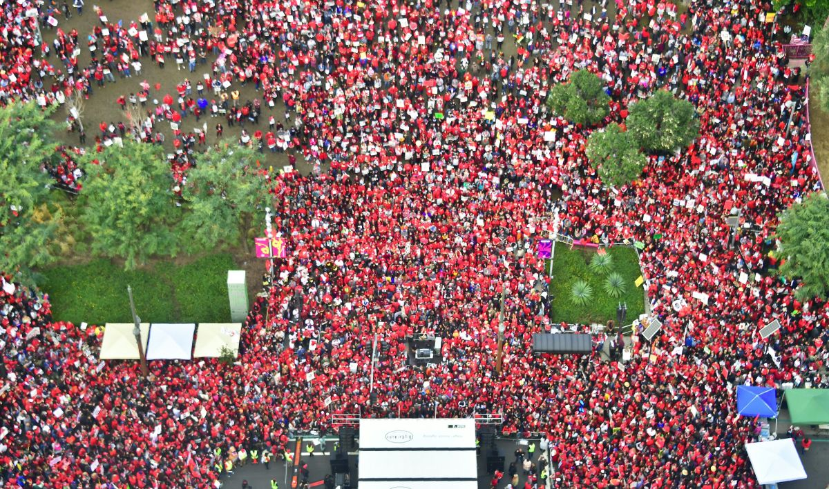 Thousands of LAUSD teachers and their supporters rally outside City Hall in Los Angeles, California, on January 18th, 2019. Talks continued between the school district and the teachers' union as the strike entered its fifth day.