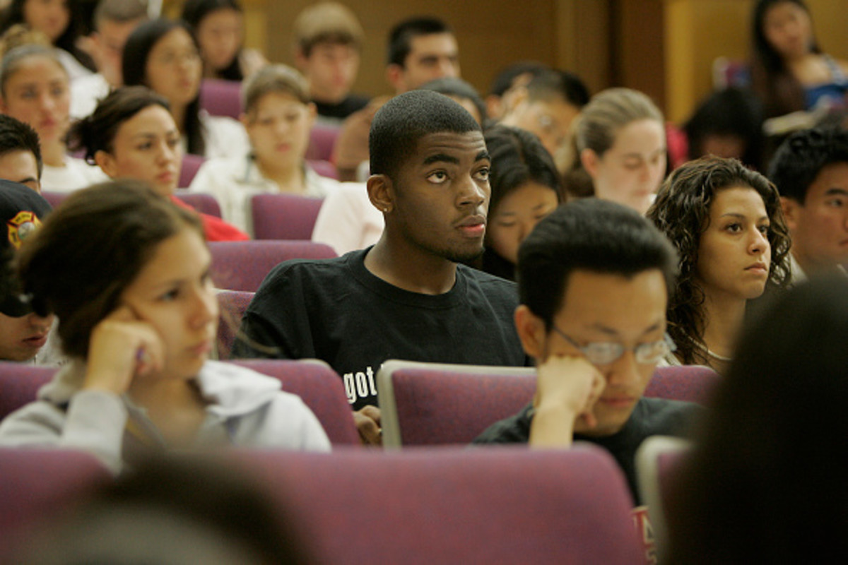 A new study suggests that students perform more poorly in classes taught by instructors who believe intelligence is fixed.