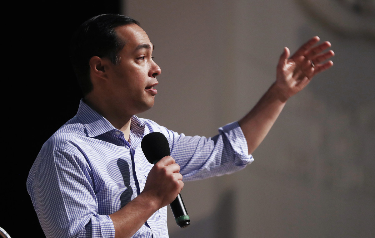 Democratic presidential candidate Julián Castro speaks at Bell Gardens High School, in Los Angeles County, on March 4th, 2019, in Bell Gardens, California.